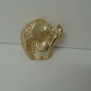 Jewelry - Elephant Brooch